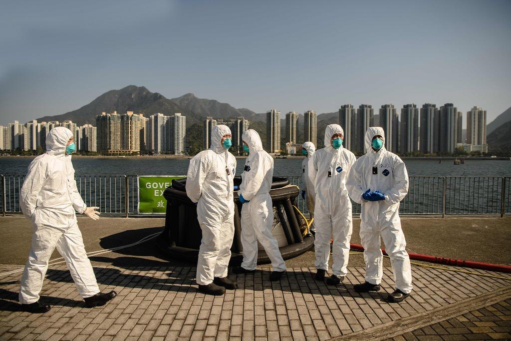 大亞灣核電站經常舉辦應急演習 ,緊急救援人員身穿防護服,在香港參加了一場大型核應急演習。(圖片來源:Getty)