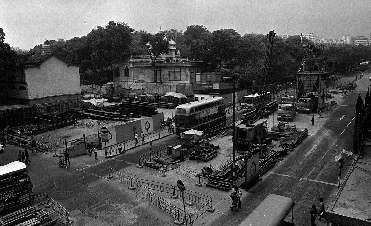 1978年鐵路公司在清真寺旁興建尖沙咀站。(圖片來源:Getty)