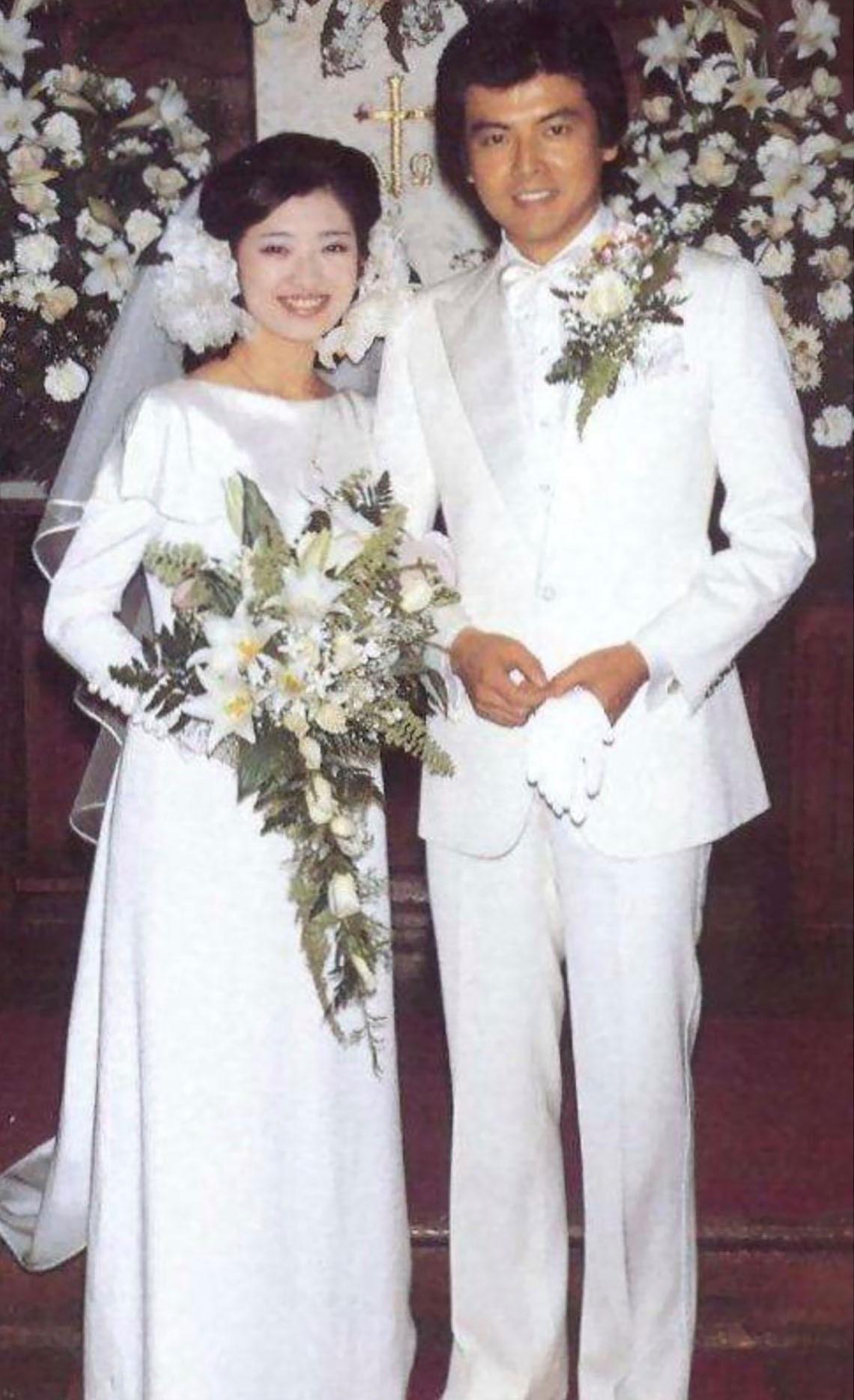 劇集播出時兩位主角已經結婚,山口百惠亦息影,令此劇更添浪漫柔情。(網上圖片)