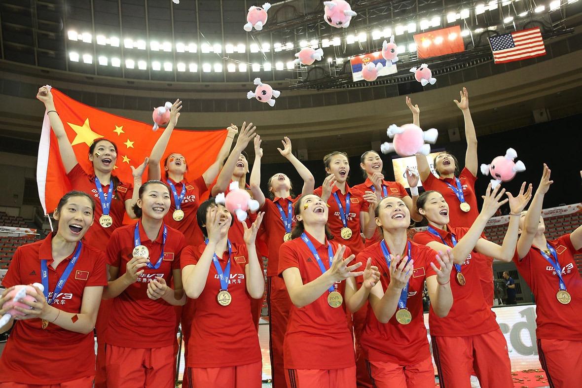 2019年中國女排衛冕世界杯,顏妮獲最佳副攻,是她繼2018年世界女排錦標賽中再次獲得最佳副攻榮譽,證明雖然已經31、32歲,狀態仍處巔峰。