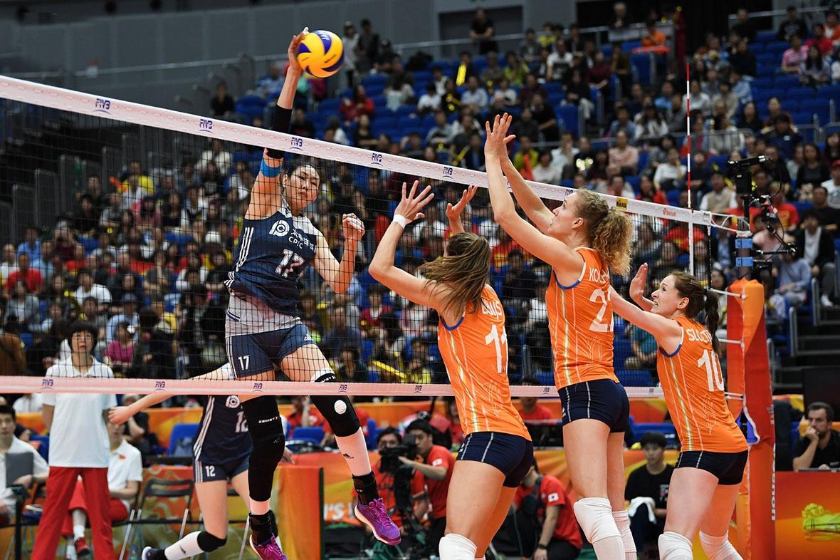 顏妮一直為肩傷和腰傷困擾,這場2016里約奧運對荷蘭隊爭入決賽比賽中,清楚看到顏妮的護腰和右臂上的膠布。