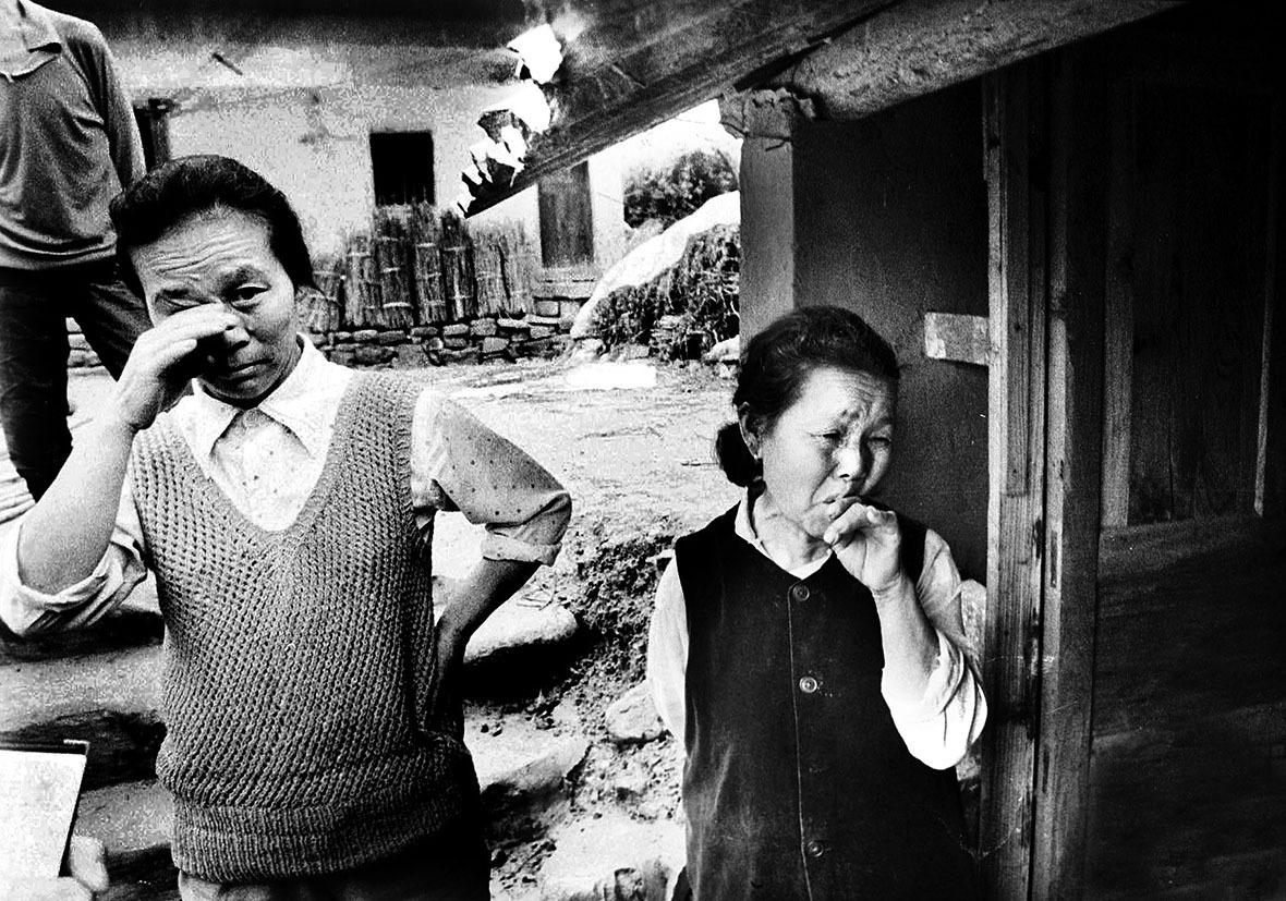 對於居住了數十年的故鄉,不少人到了最後離開的一刻,都依依不捨。(圖片來源:視覺中國)