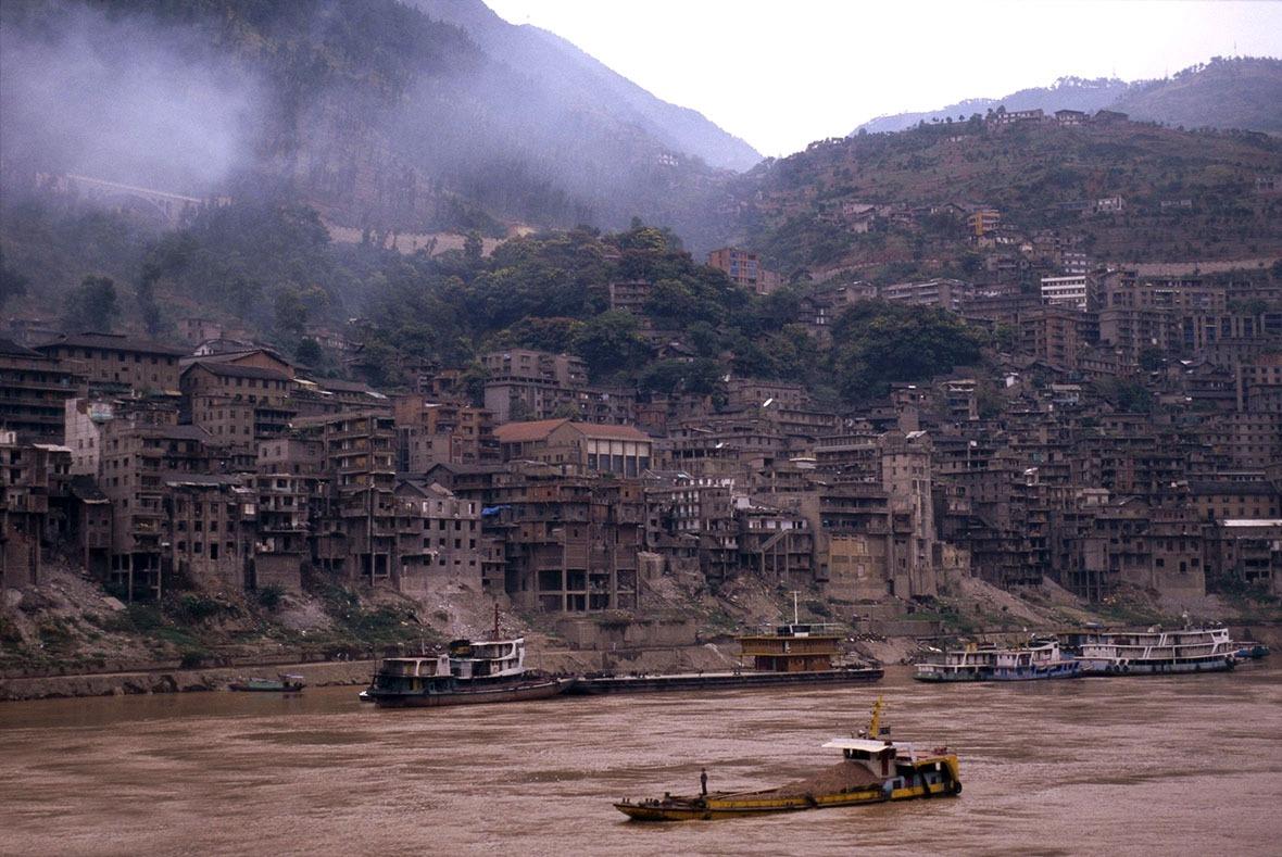 當年三峽水利工程影響當地不少鄉鎮,至工程完成後統計,最終影響了重慶和湖北合共20個縣市的129座城鎮。