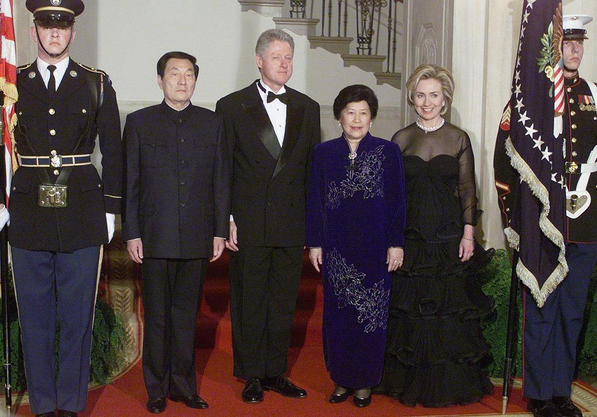 儘管朱鎔基離開美國前,中美雙方發表聯合聲明,稱美國堅定支持中國於1999年加入世貿,但談判結果,大家心照不宣。