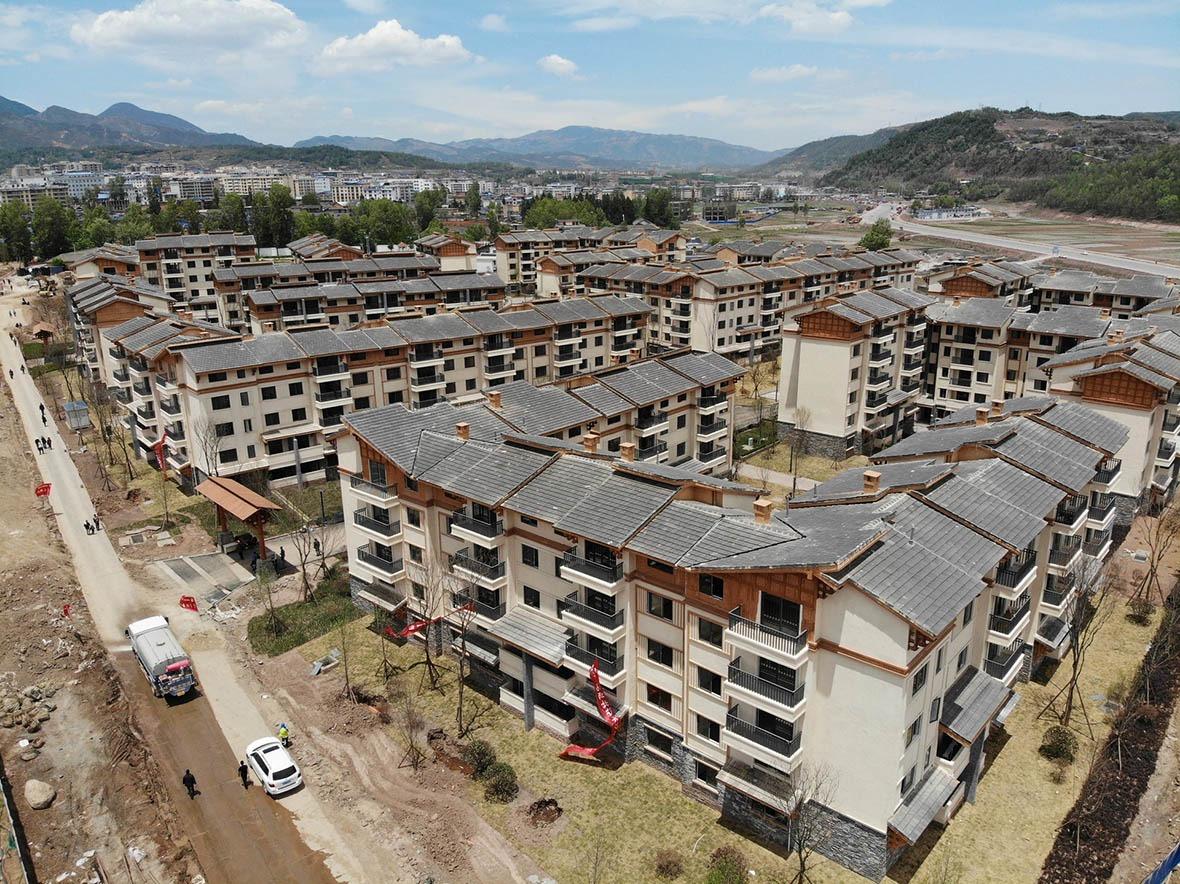 今年5月,超過一半的懸崖村民由山上遷到山下,入住政府於城郊興建的安置樓房。