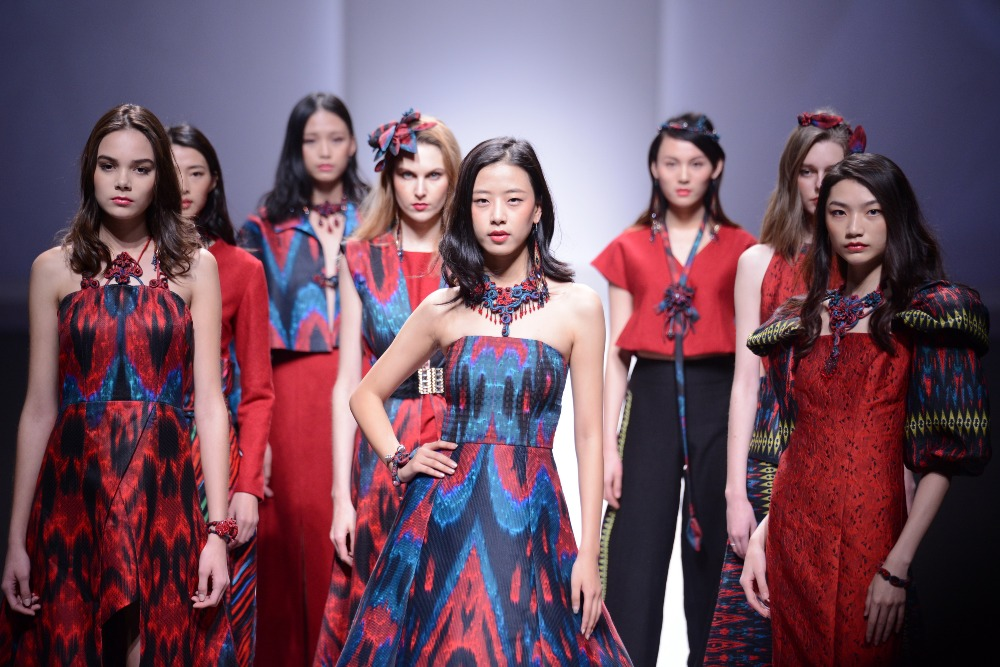 當代中國-新疆絲綢-艾德萊斯