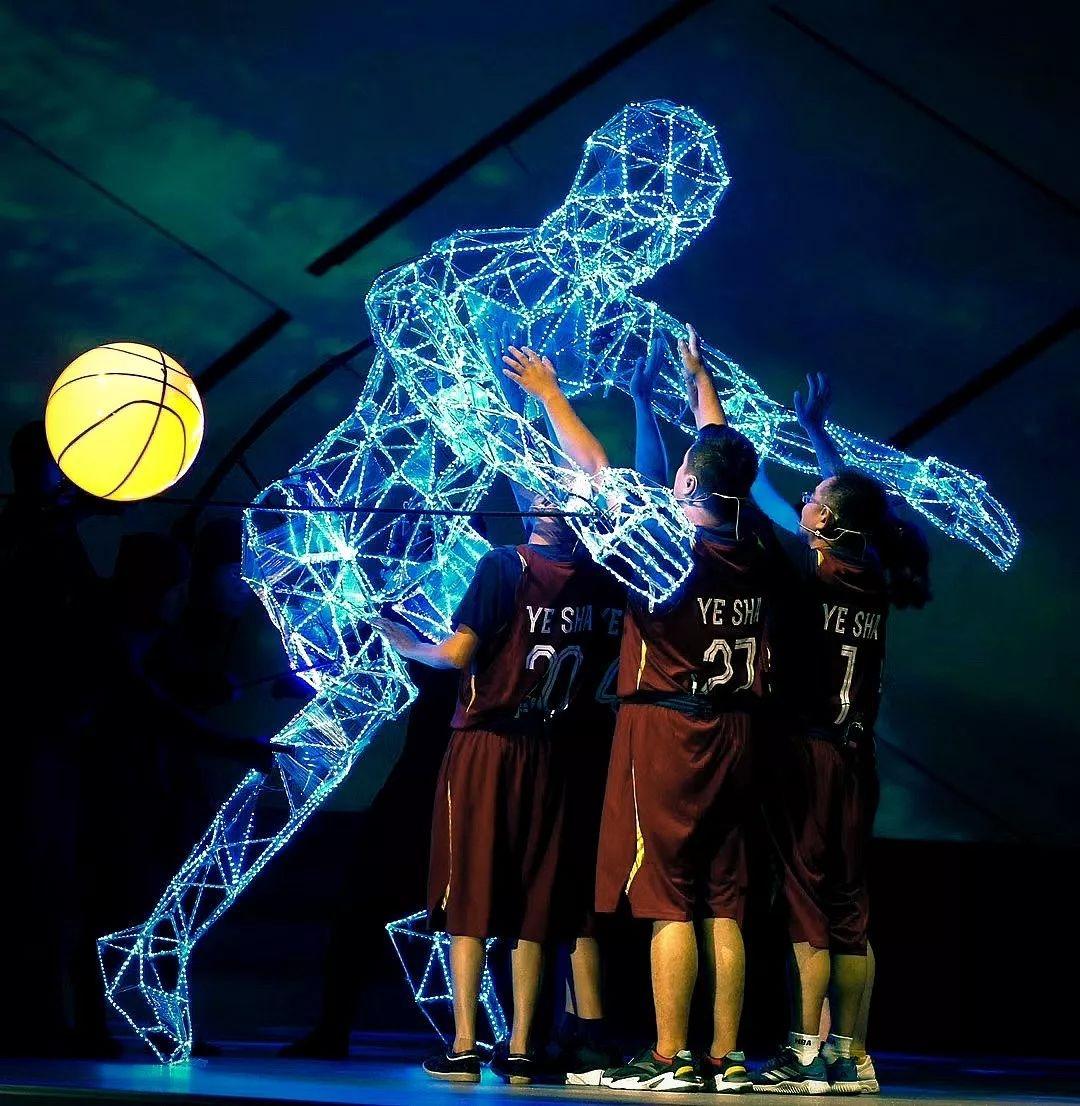 當代中國-中國新聞-一個人籃球隊03