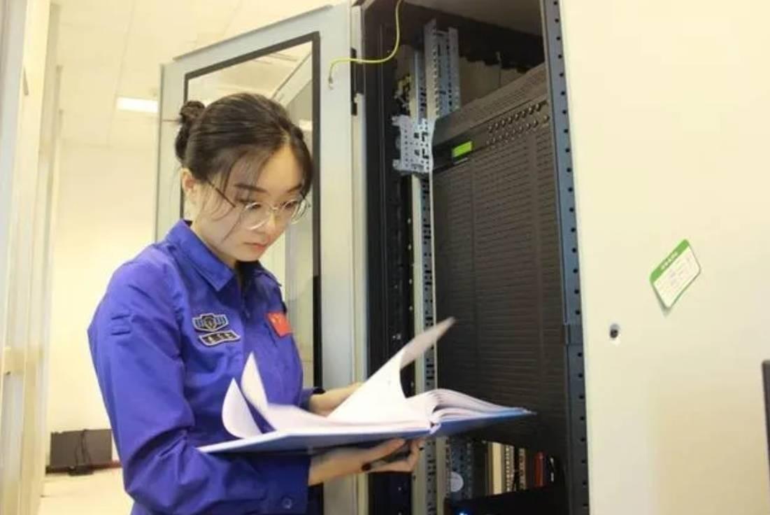 當代中國-嫦娥五號太空女將01