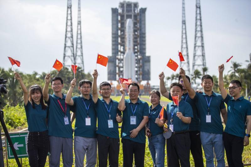 當代中國-嫦娥五號太空女將04