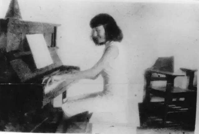 當代中國-中國文化-中國第一位女指揮家01