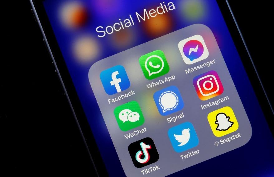 根據資料,截至2020年10月,微信每月活躍用戶約12億,是全球第三名最多人使用的即時通訊軟件,與排第二的facebook messenger(活躍用戶約13億)相差1億。至於全球最多人用的Whatsapp則用約20億人使用。(圖片來源:Getty)