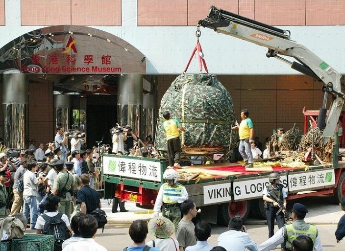 科學館30周年來舉行過不少重大專題展覽,包括2008年神舟七號返回艙實物。(網上圖片)