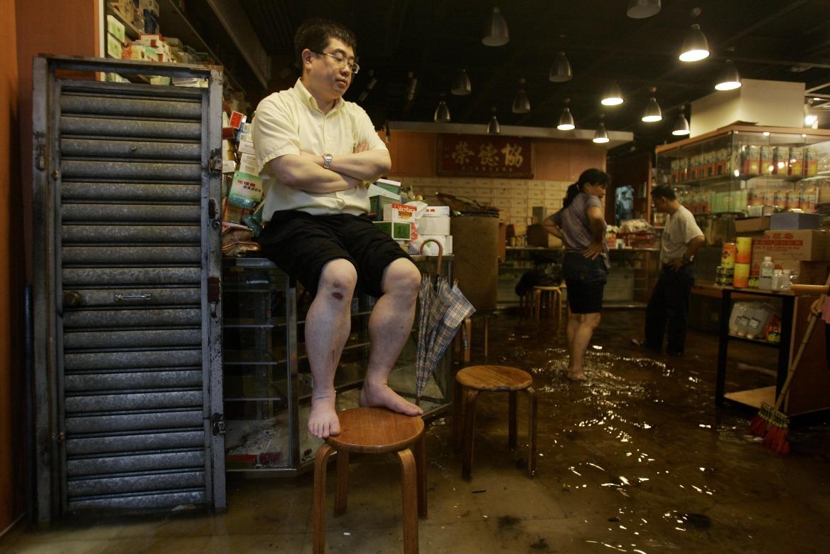 當代中國-飛凡香港-2008年香港暴雨 大澳斷路斷水變「孤城」