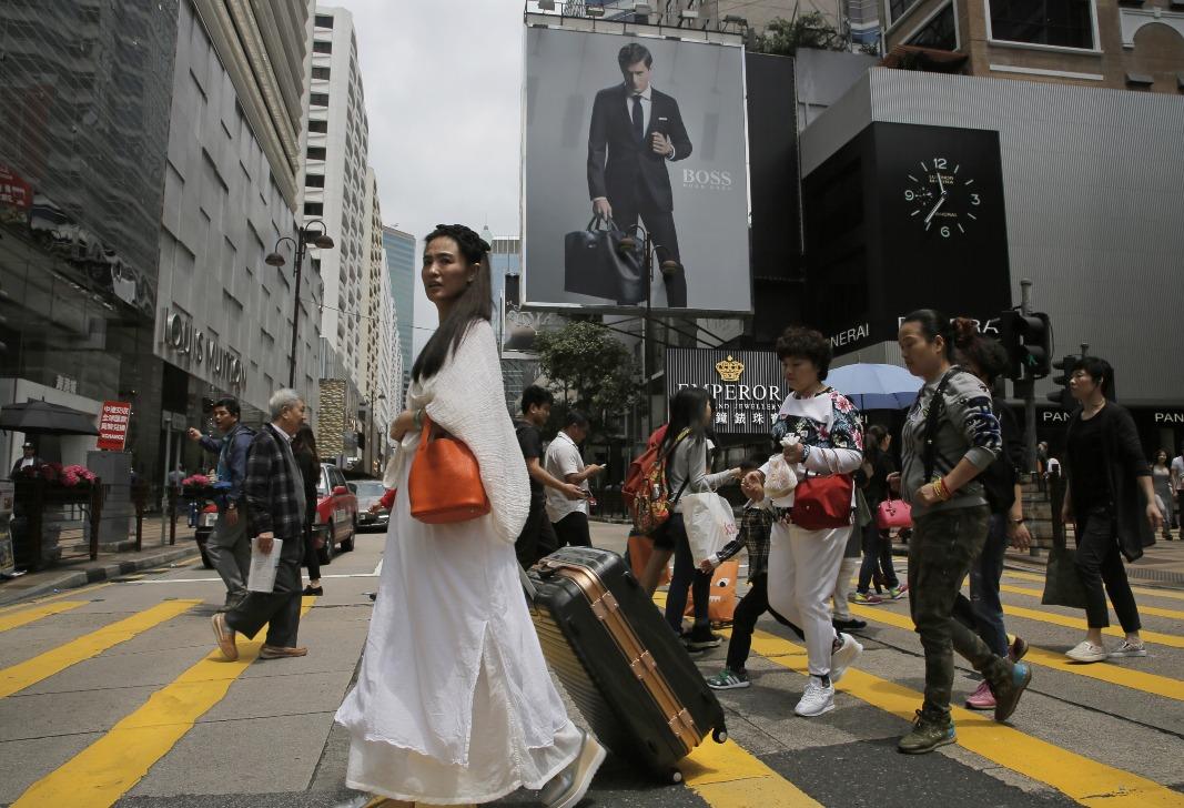 當代中國-飛凡香港-自由行刺激香港旅遊業 創造就業機會