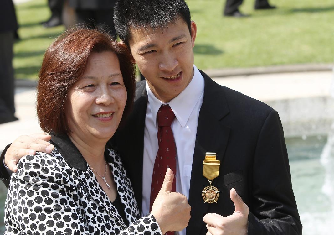 當代中國-飛凡香港-5次破世界紀錄 「神奇小子」蘇樺偉揚威殘奧
