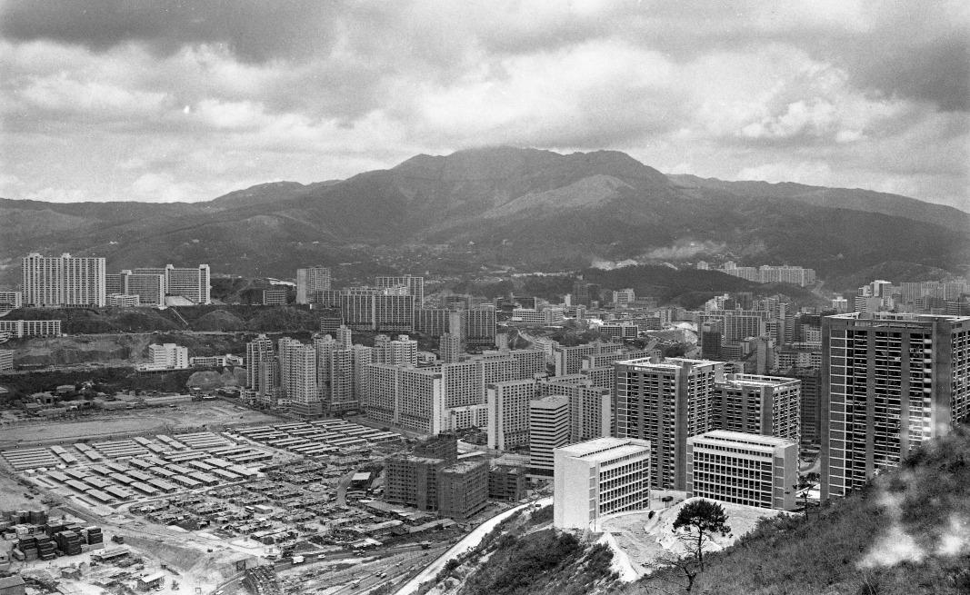 當代中國-飛凡香港-荃灣:由工業衞星城市至自給自足新市鎮