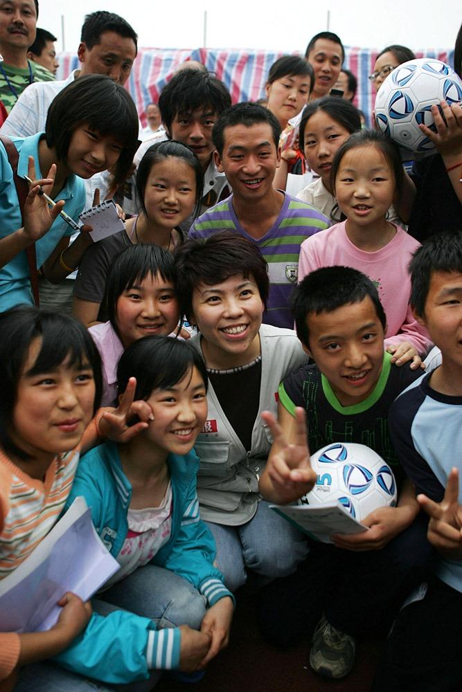 退役後的鄧亞萍,投身慈善事業,展開更燦爛的人生下半場。(圖片來源:Getty)