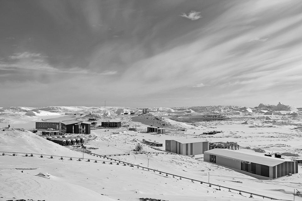 當代中國-改革開放-改革開放後進軍南極中山站體現中國科技