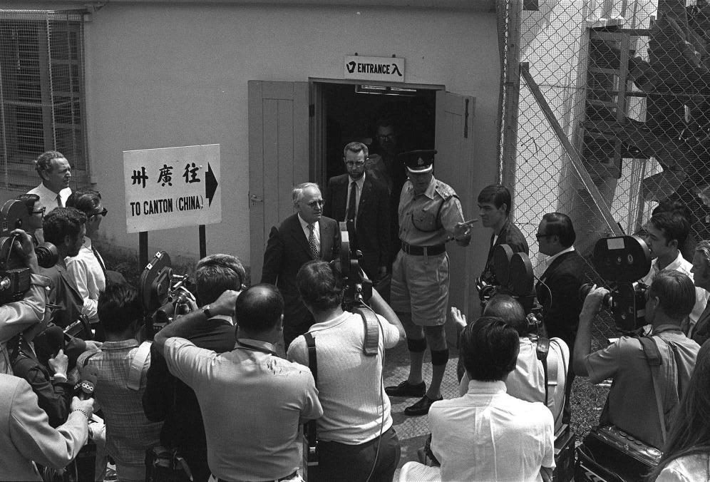當年美國運動員從日本取道香港,經羅湖乘火車到廣州,再輾轉抵達北京。(圖片來源:AP)