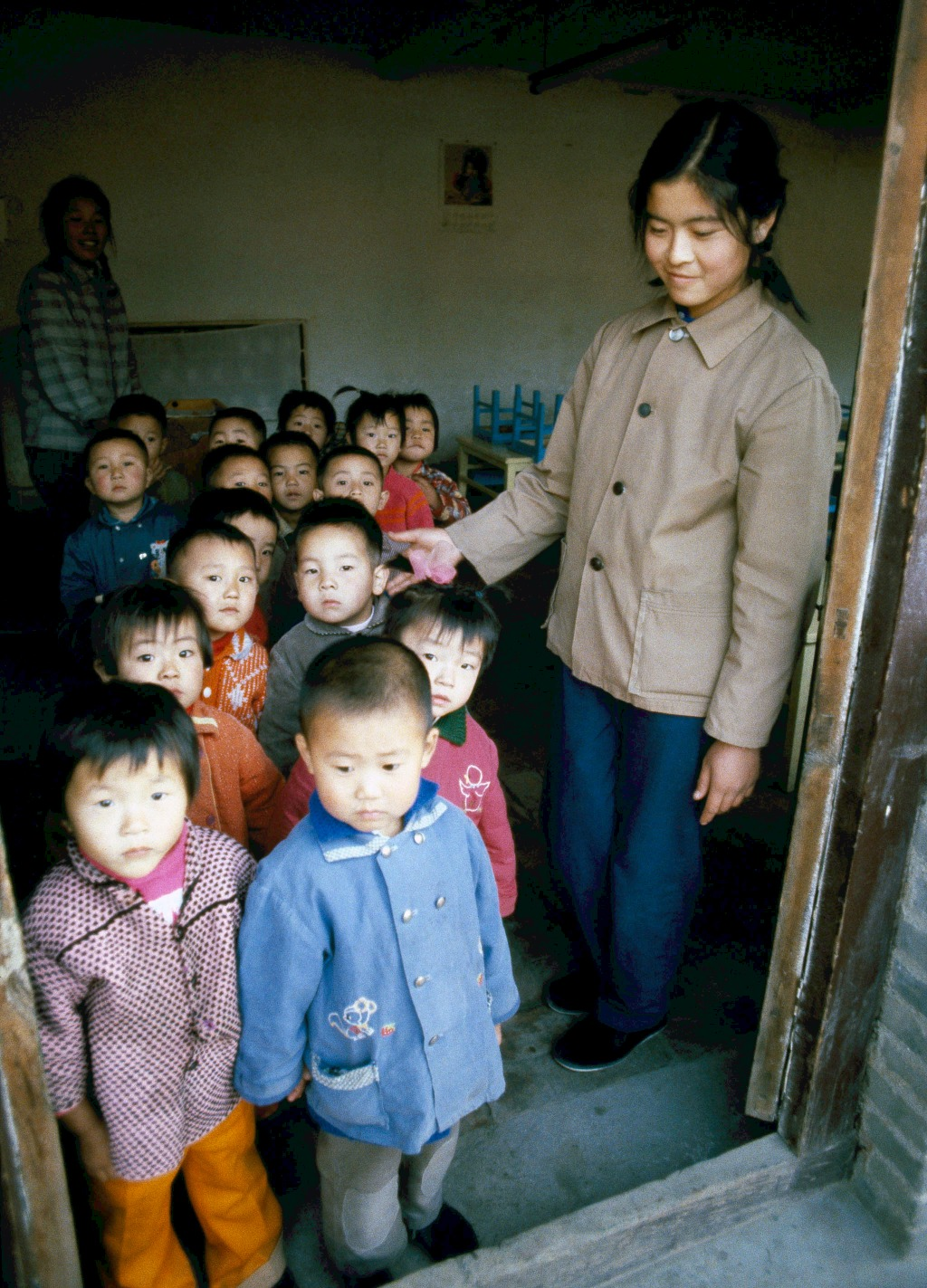 1983年,鄧小平在教育方面提出「三個面向」:「教育要面向現代化,面向世界,面向未來」。(圖片來源:AP)