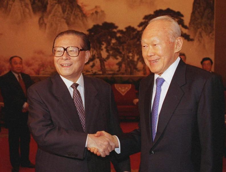 當代中國-改革開放-李光耀破冰之旅 鄧小平回訪取經 改革開放借鑒新加坡經驗