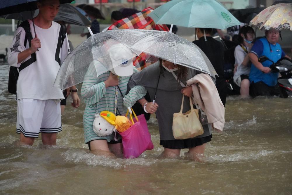 河南暴雨高科技05