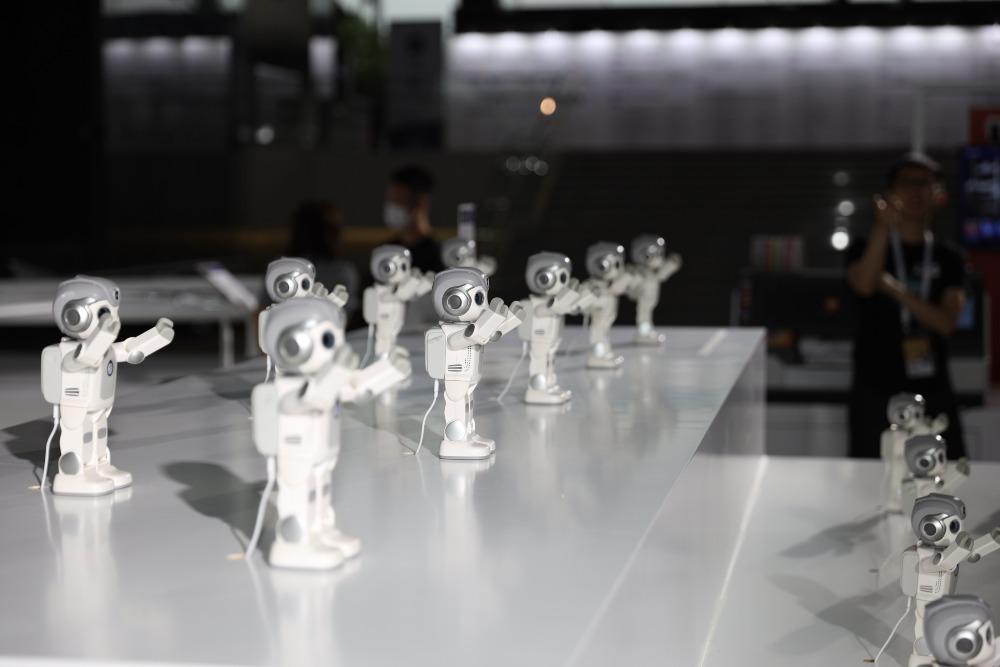 中國AI機械人walkerX02
