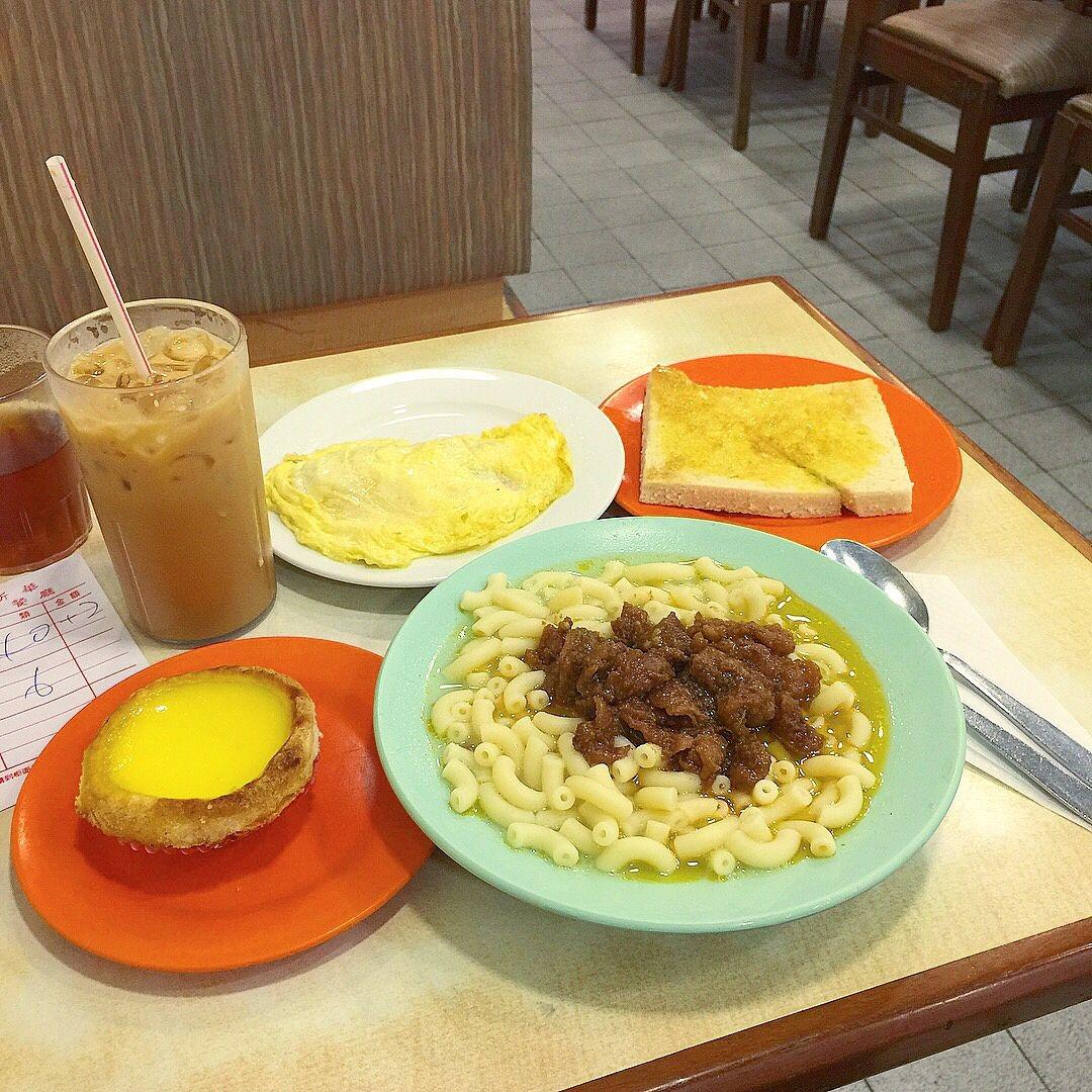 當代中國-粵港澳大灣區-香港文化-茶餐廳-即食麵-公仔麵1