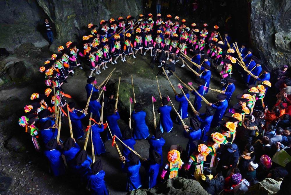 當代中國-中國旅遊-中國文化-貴州-苗族-跳洞-1