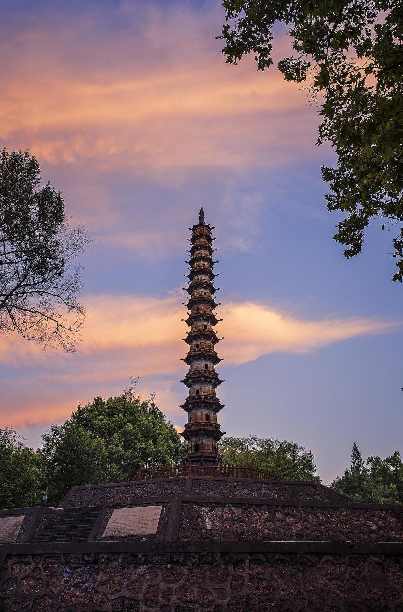 當代中國-中國旅遊-中國文化-上海-廣西-斜塔-湖北-當陽鐵塔