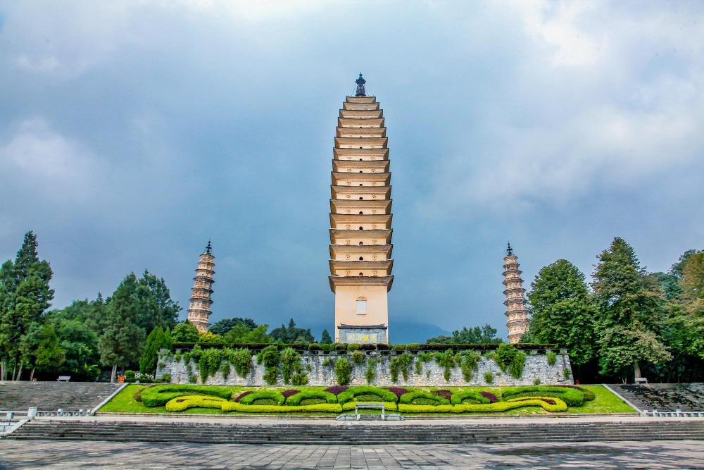 當代中國-中國旅遊-中國文化-中國四大名塔-中式塔-雲南-崇聖寺-千尋塔