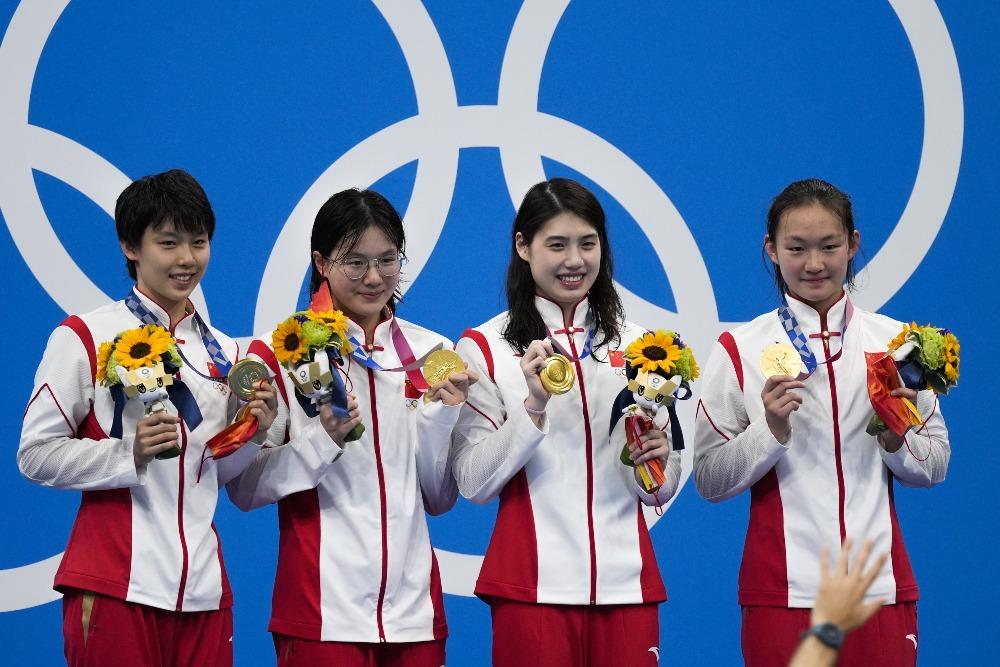 當代中國-體育運動-東京奧運中國女子4X200蝶泳奪冠