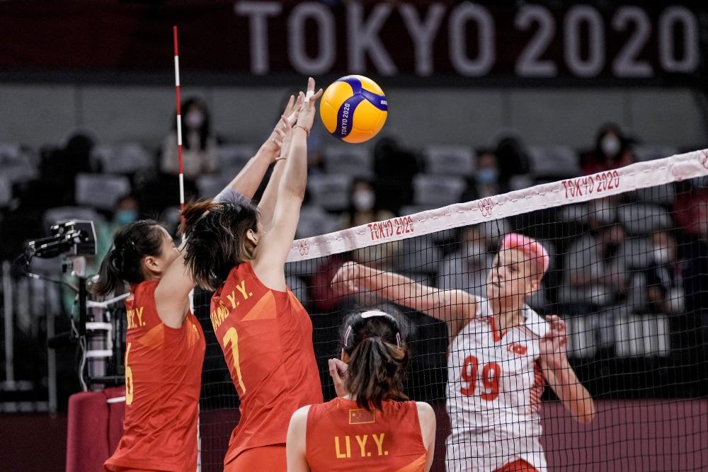 當代中國-體育運動-東京奧運中國女排首戰落敗