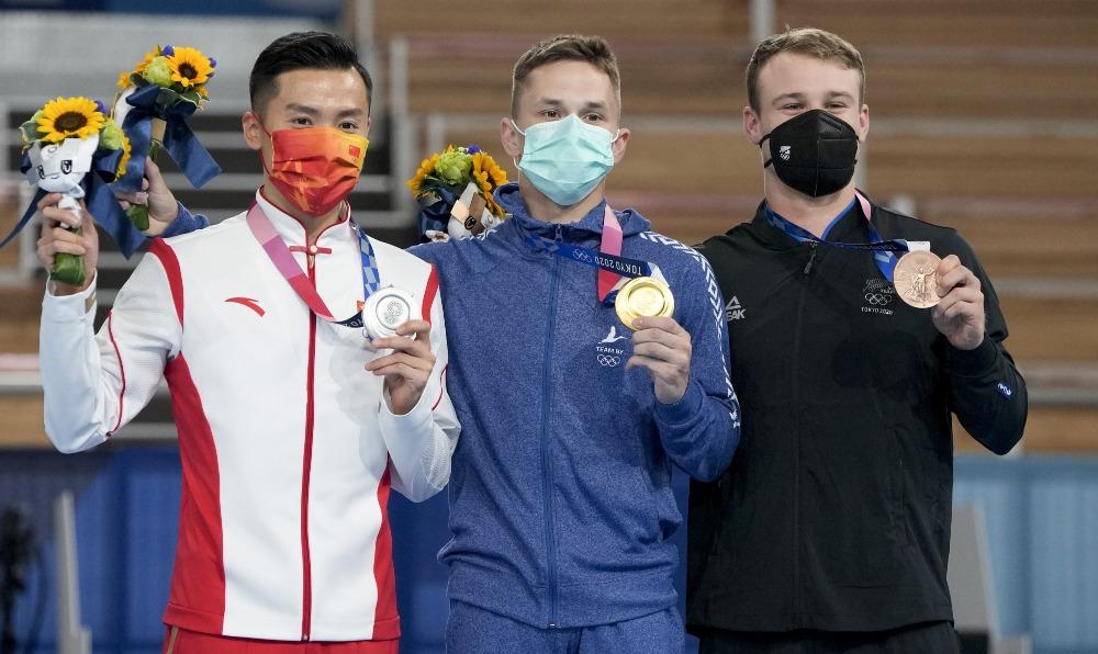 當代中國-體育運動-東京奧運董棟獲得男子蹦床金牌