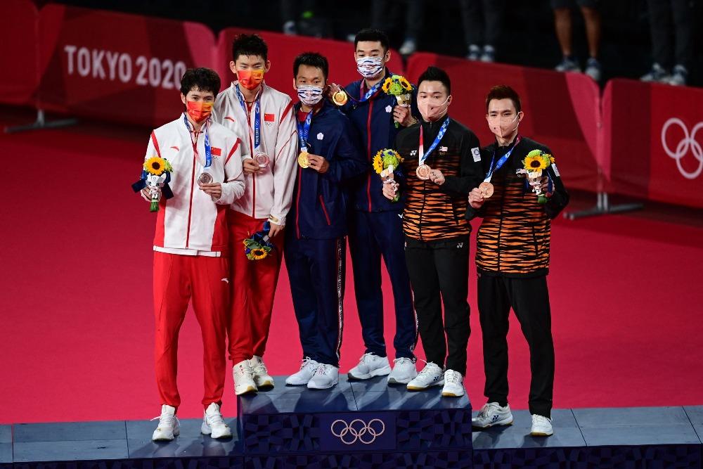 當代中國-體育運動-東京奧運男子羽毛球雙打中國台北奪金中國國國家隊奪銀