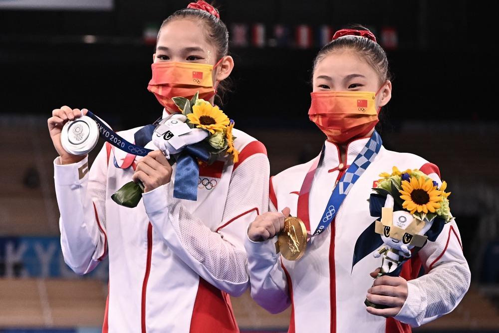 當代中國-體育運動-東京奧運管晨辰唐茜靖奪金銀牌