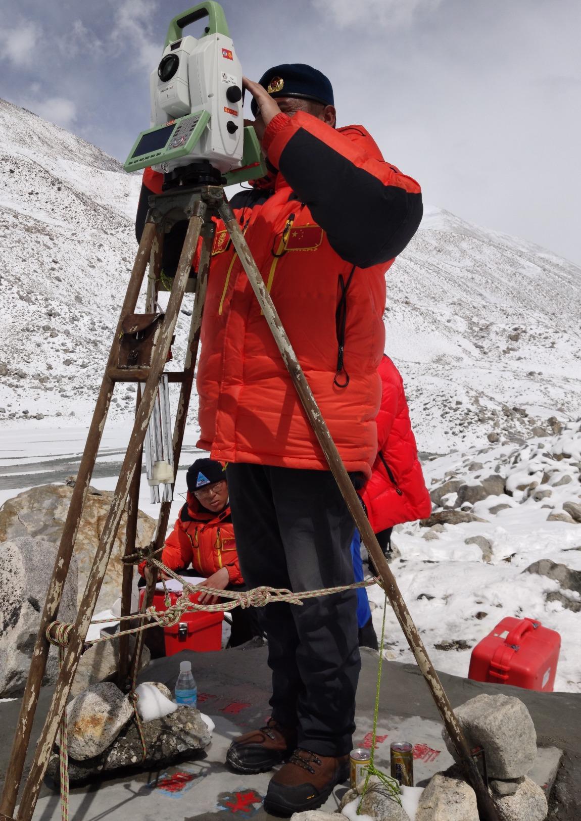 當代中國-中國新聞-珠穆朗瑪峰新海拔