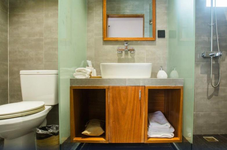 洗手間及浴室採用了乾濕分離的設計,除了配合簡約設計外,令地方整潔乾淨。 (圖片來源:Trip.com)