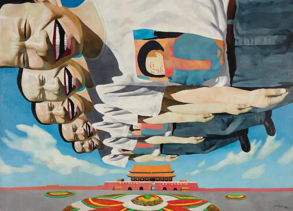 《風箏》中「儍笑人」像風箏般在半空中翱翔,讓人懷念那在廣場放風箏、騎自行車和自由集會的美好時光,從而折射那裏所經歷的不快。(網上圖片)