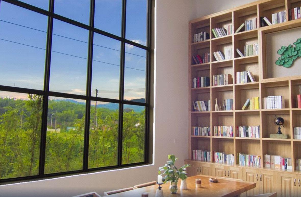 精心設計的小書室,可以放心心情閱讀。