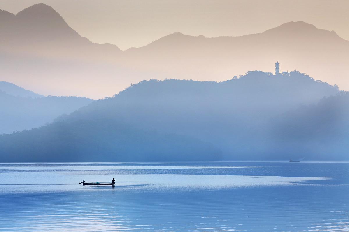 以日月潭中的山水美景及邵族文化特色為主題,打造成國際級的度假勝地。