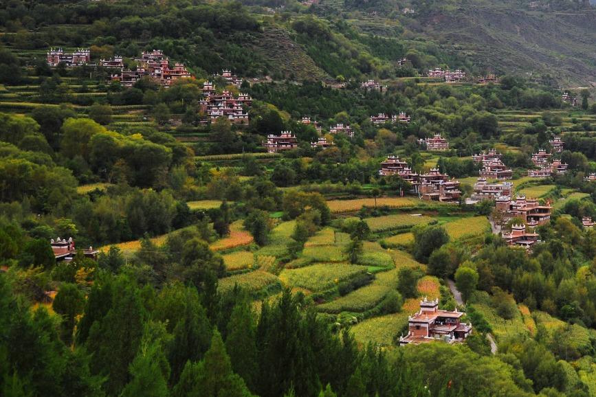 四川丹巴甲居藏寨