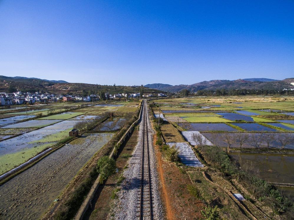 當代中國-中國旅遊-雲南旅遊-雲南建水-雲南建水古城-雲南建水小火車-01