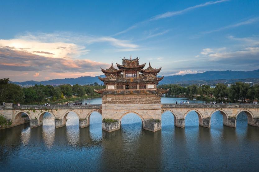當代中國-中國旅遊-雲南旅遊-雲南建水-雲南建水小火車-雲南建水古城-雙龍橋