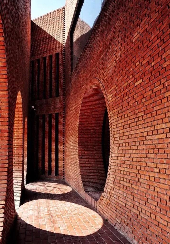 當代中國-中國旅遊-北京旅遊-北京-北京紅磚美術館