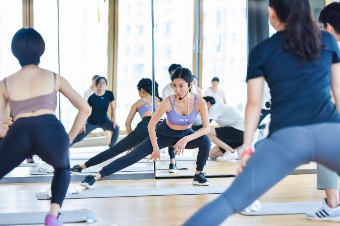 當代中國-健身達人-周六野
