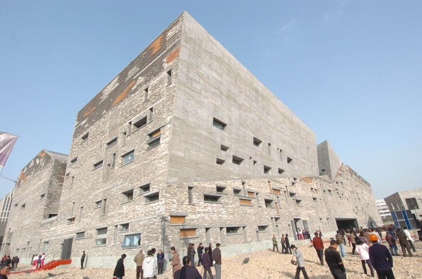 寧波博物館使用附近村莊拆卸的廢磚瓦興建。(圖片來源:人民視覺)