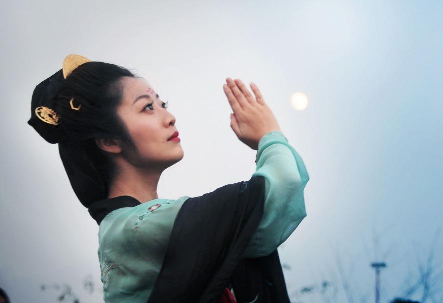 當代中國-圖說中國-中秋習俗祭月