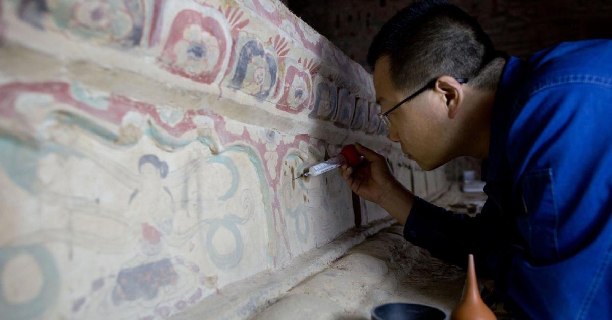 當代中國-中國藝術-中國文化-黃金周假期,長城擠滿了人,敦煌卻不一樣,因為敦煌為了保育,早在多年前已實施了人流管制