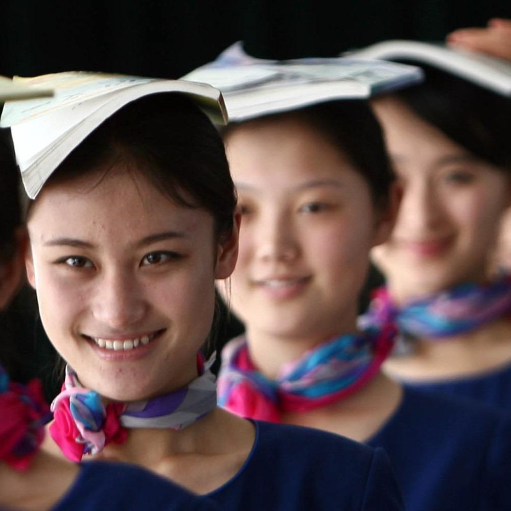 當代中國-改革開放-不知什麼時候開始在很多大型宴會中,興起了禮儀小姐來。